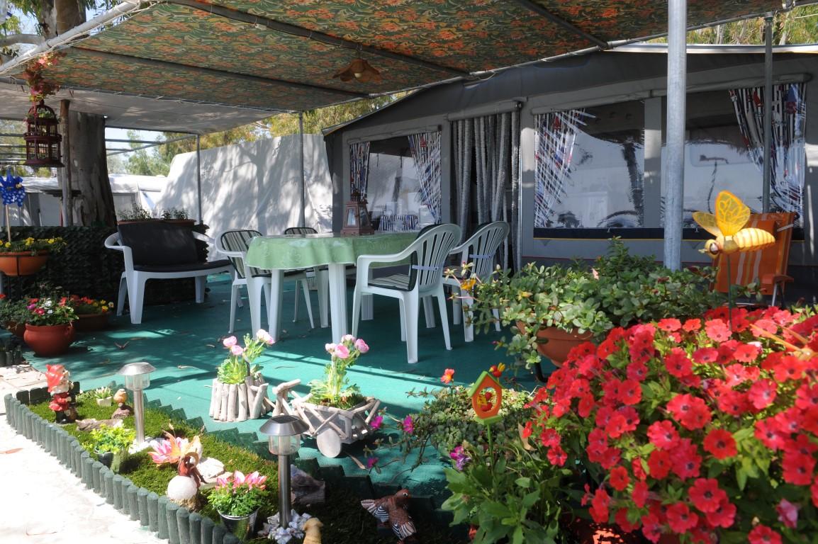 Alikes Camping caravan space
